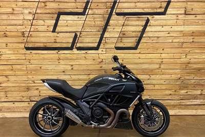 2015 Ducati Diavel 1
