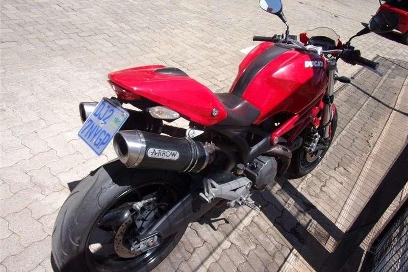 Ducati Monster 2011