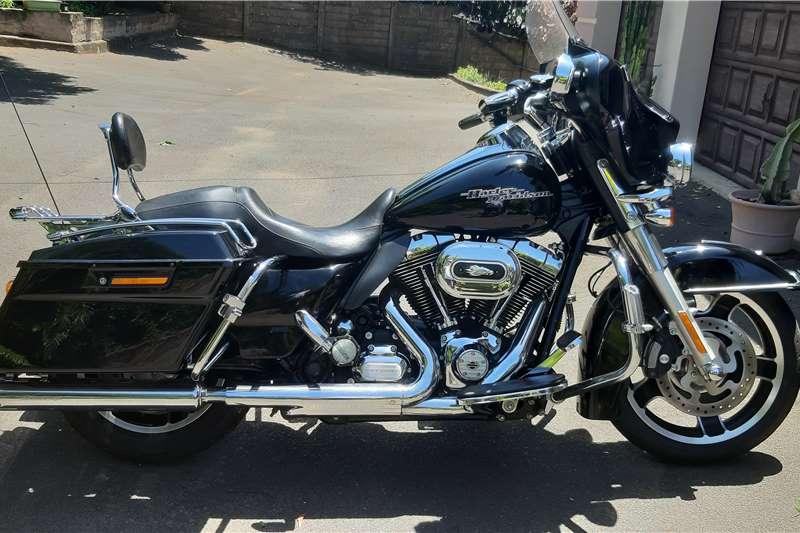 Harley Davidson FLHX 2013