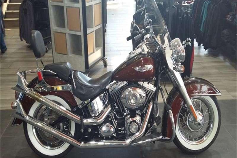 Harley Davidson Softail Deluxe FLSTN Two Tone (11my) 2011