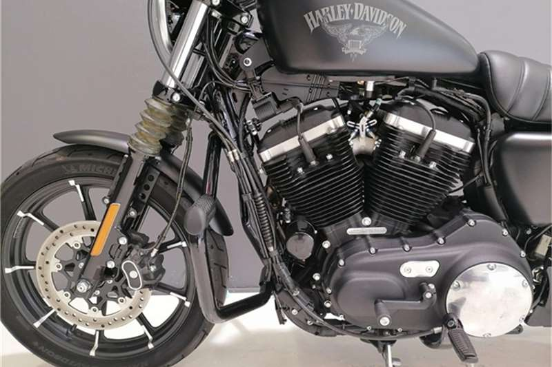 Harley Davidson Sportster Iron 883 Immaculate 2017