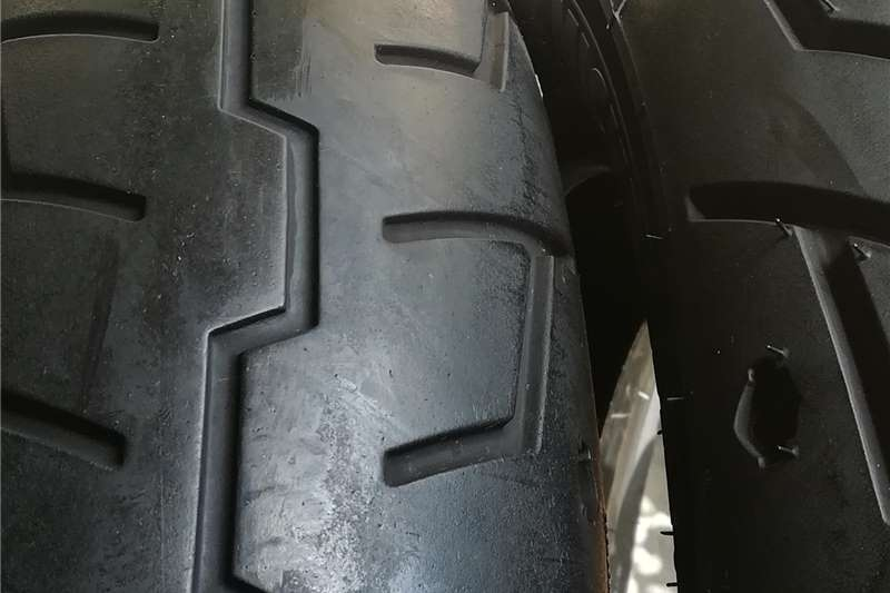 Harley Davidson Sportster Michelin tyres 130x90x16 and 150x80x16 0
