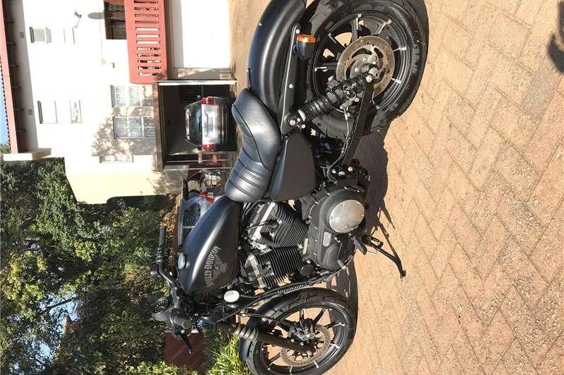 Harley Davidson XL883 2016
