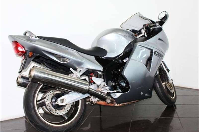 Honda CBR 1100 blackbird 2004