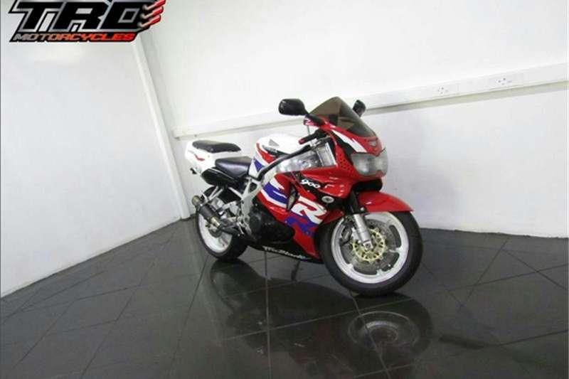 Honda CBR 900 2004