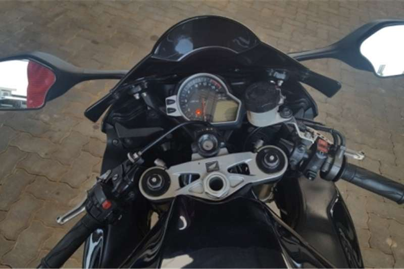 Honda Fireblade CBR 1000 2011