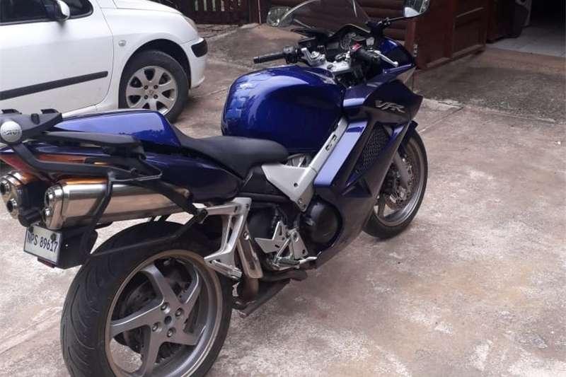 Honda VFR800F 2005
