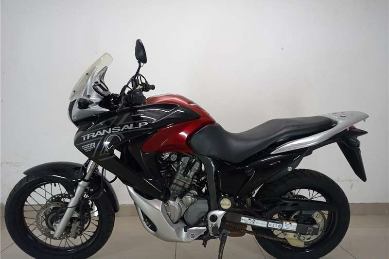 2011 Honda XL700V