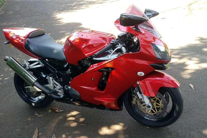 Kawasaki ZX 2002