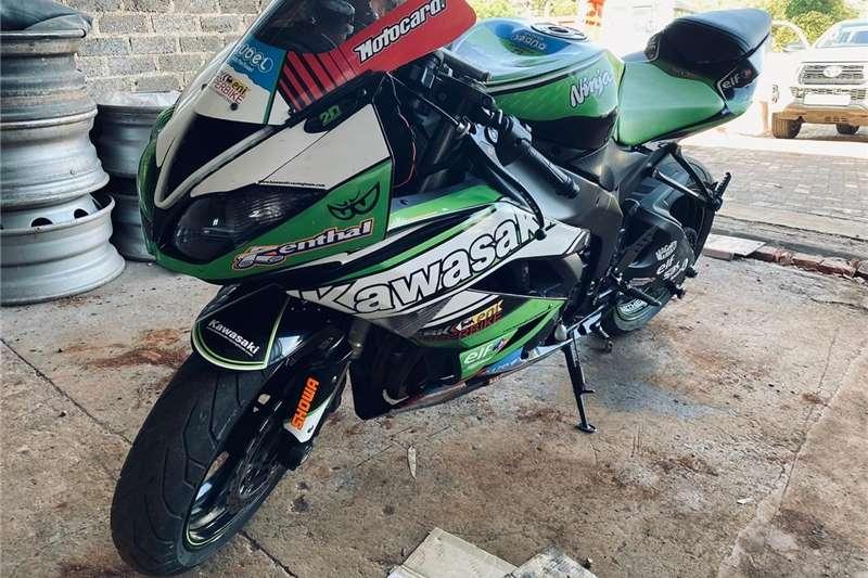 Kawasaki ZX6-R 2014