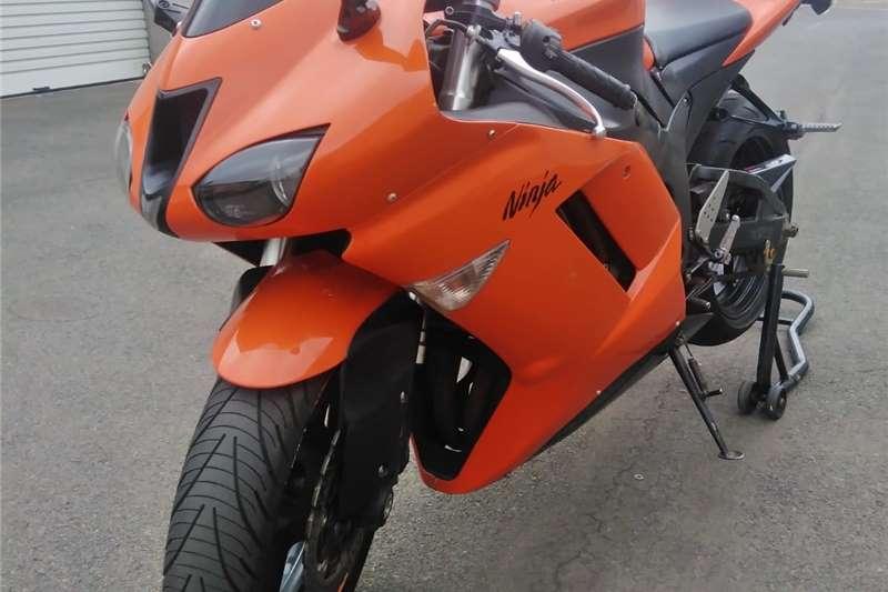 0 Kawasaki ZX6-R
