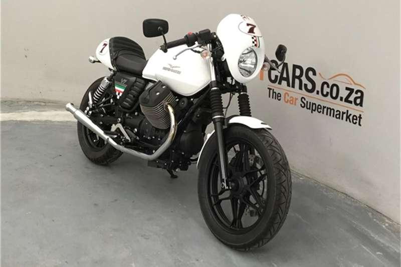Moto Guzzi V7 2015