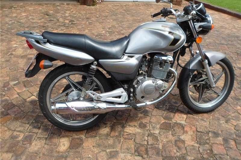 2009 Suzuki EN125-2