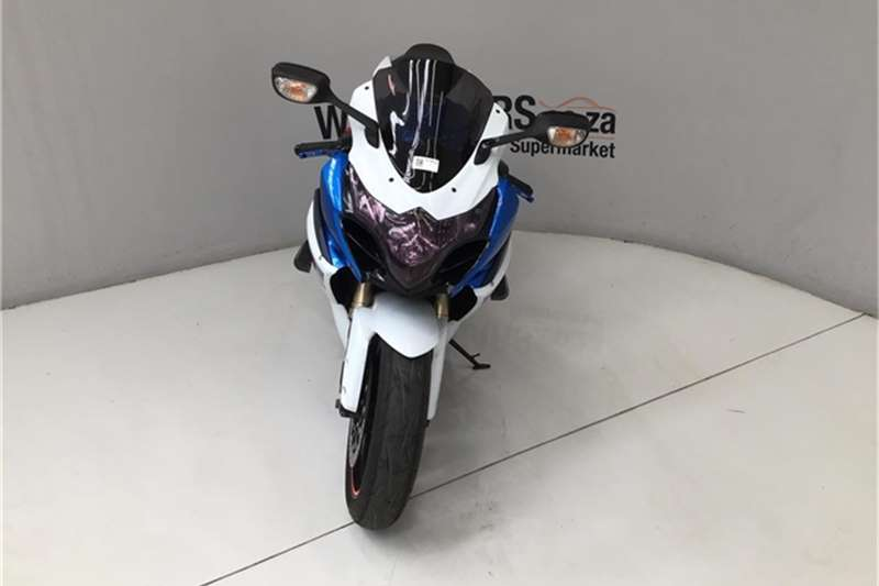 Suzuki GSR 2011