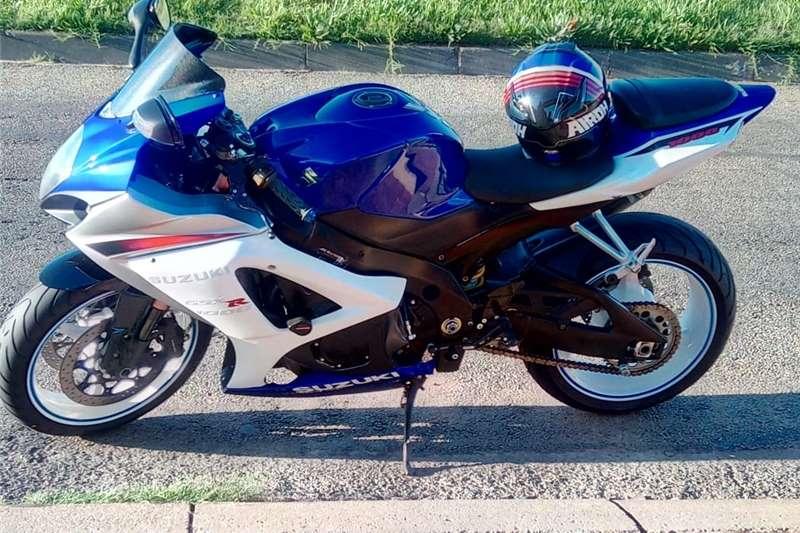 2011 Suzuki GSXR1000K8