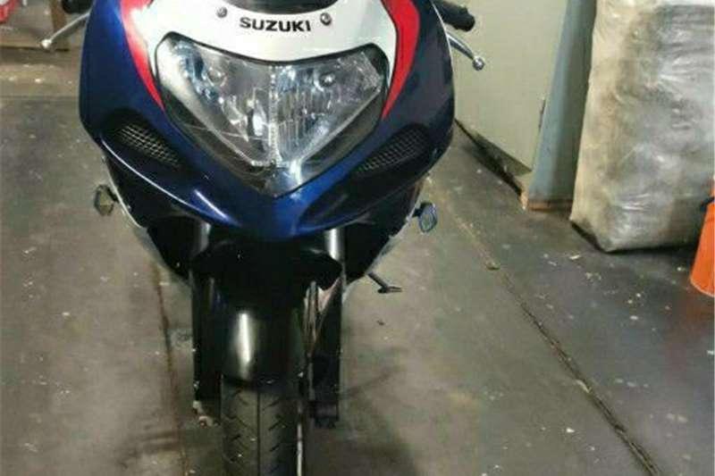 Suzuki GSXR750 0