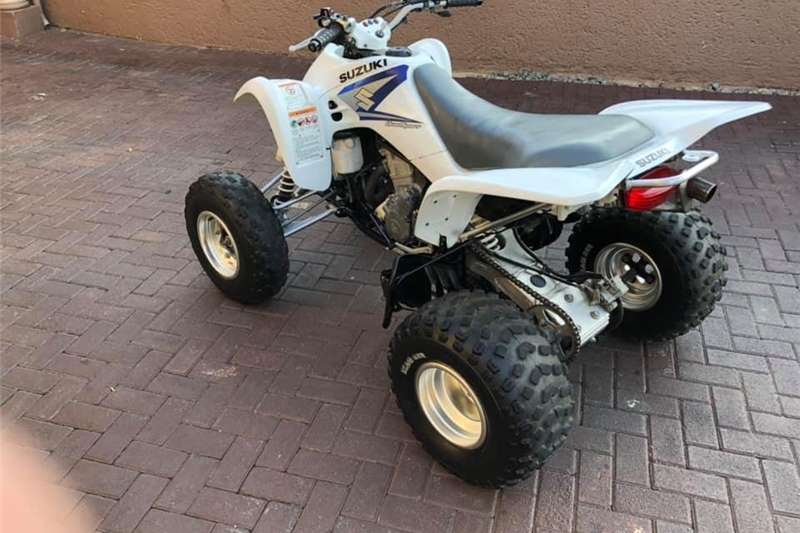 Suzuki LTZ 2005