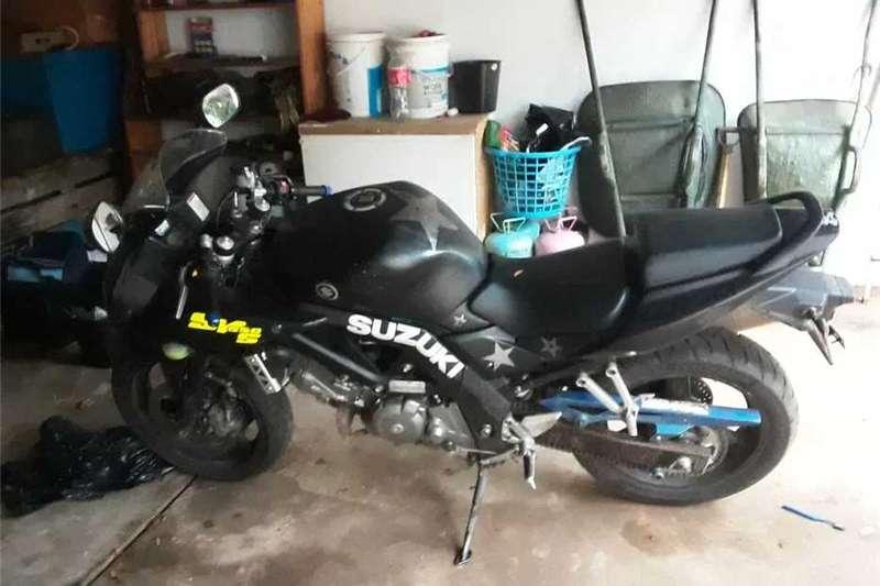 Suzuki SV650S 2011