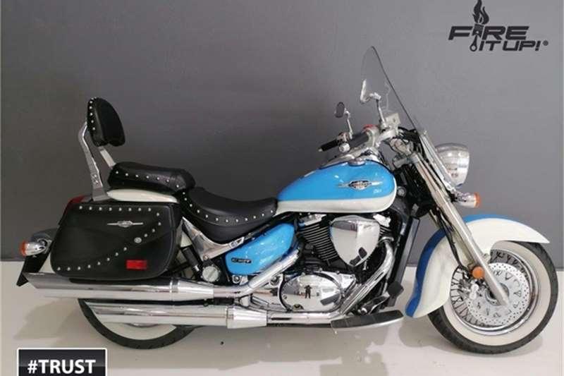 Suzuki VL 800 2010