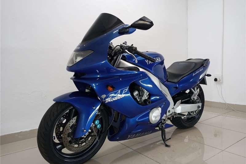 Yamaha FZ6 1996