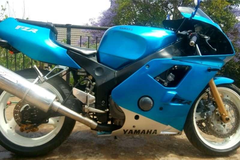 Yamaha FZR 1998