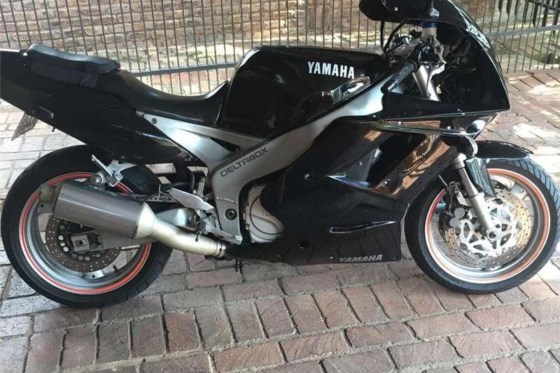 Yamaha FZR 2006