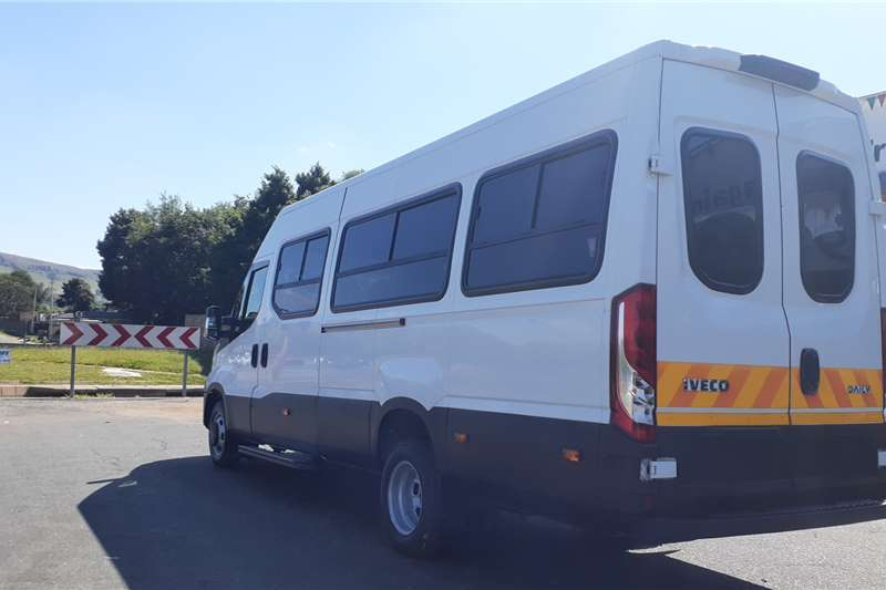 Accessories Trailers IVECO DAILY ANGLE CATER 23 SEATER 2017
