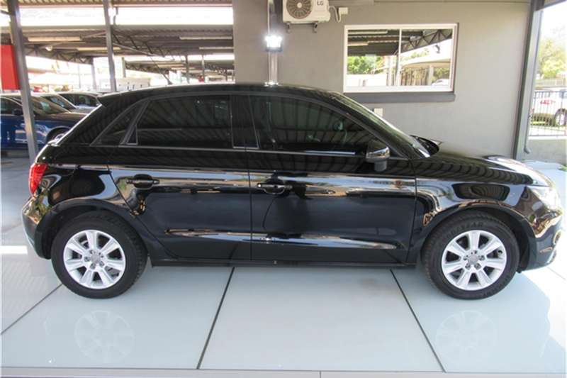 Audi A1 Sportback 1.2T Attraction 2013