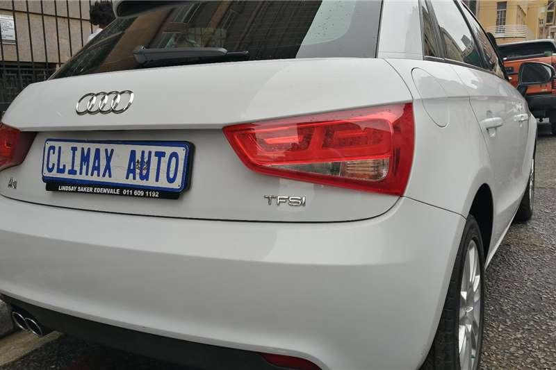 Audi A1 Sportback 1.4 TFSI S TRONIC (35 TFSI) 2013
