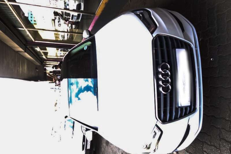 Audi A3 Sedan A3 1.0T FSI STRONIC 2015