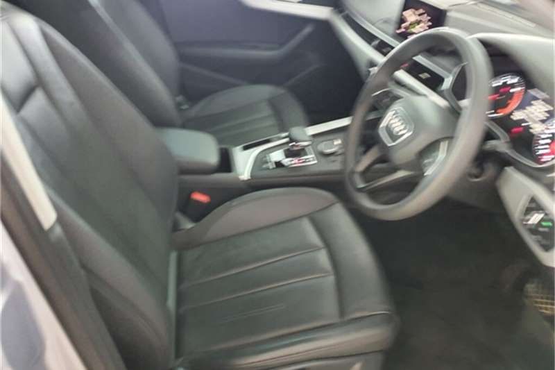 Audi A4 1.4T FSI STRONIC (B9) (35 TFSI) 2017