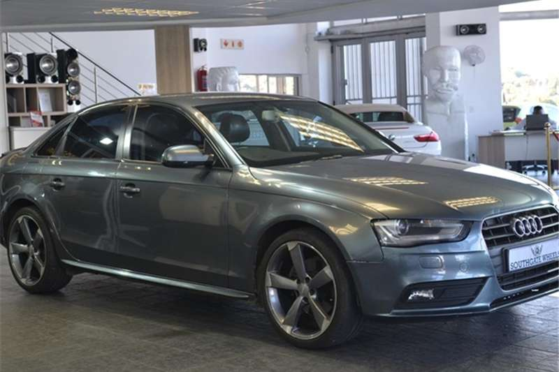Audi A4 1.8T AMBITION MULTITRONIC (B8) 2011