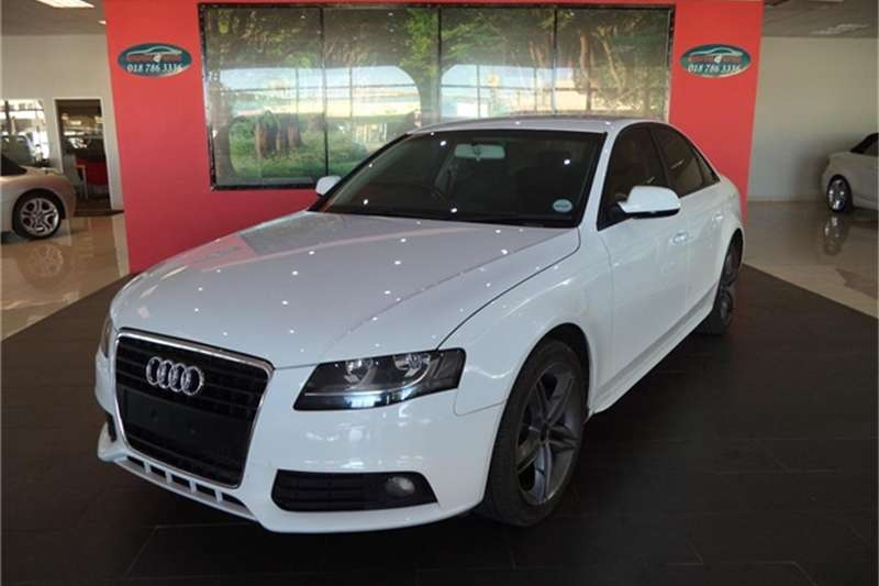 Audi A4 1.8T ATTRACTION (B8) 2011