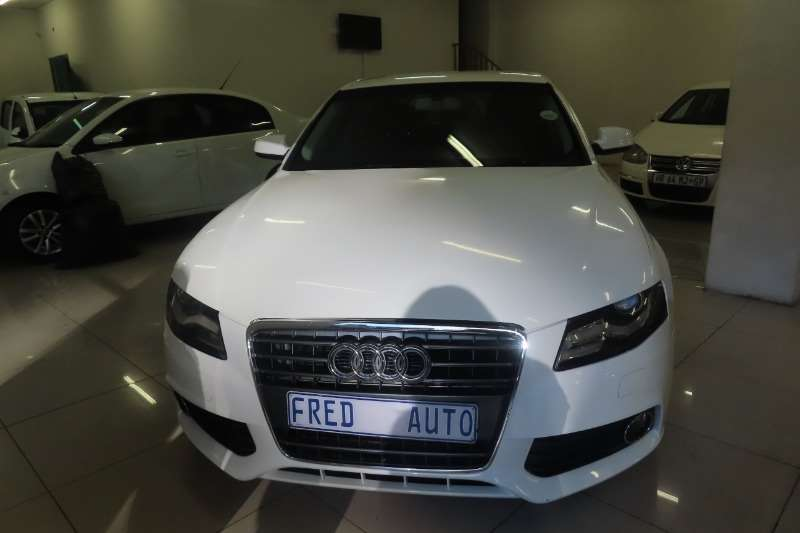 Audi A4 2.0 Multitronic 2012