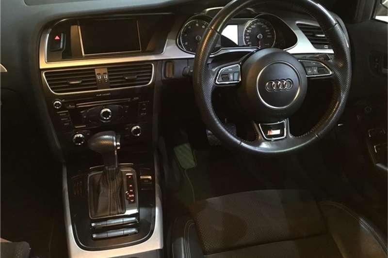 Audi A4 2.0T quattro 2015