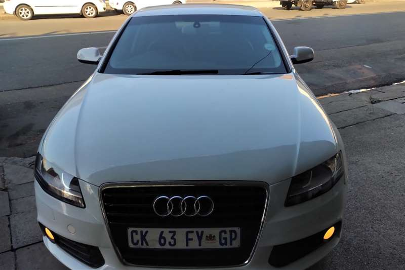 Audi A4 2.0TDI Ambition multitronic 2013