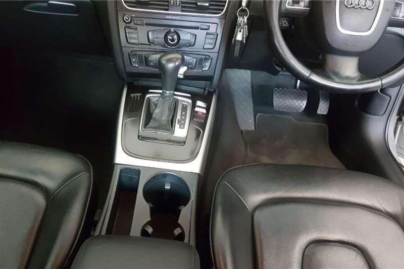 Audi A4 Sedan A4 1.4T FSI STRONIC (B9) 2010