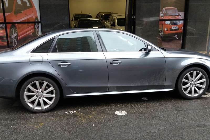 Audi A4 Sedan A4 1.4T FSI STRONIC (B9) 2014