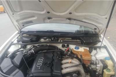 Audi A4 Sedan A4 1.4T FSI STRONIC (B9) Auto 1999