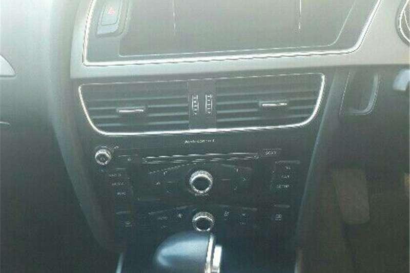 Audi A4 Sedan A4 2.0 TDI STRONIC (B9) 2013