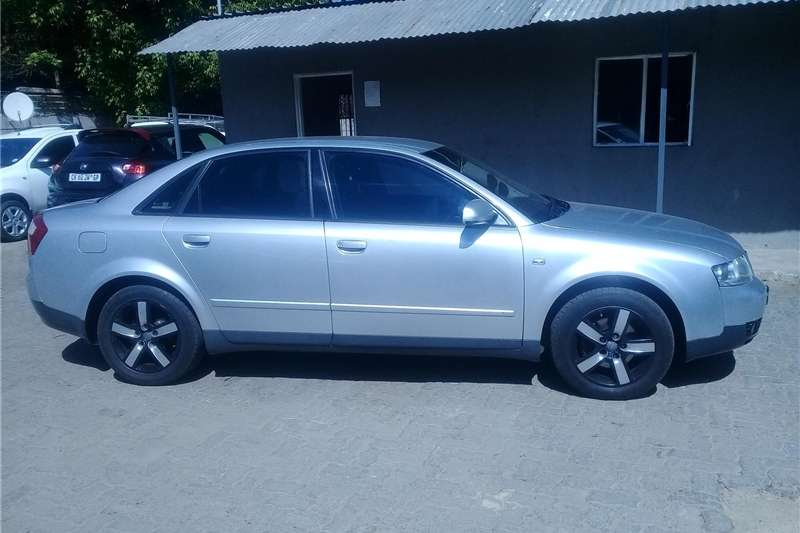 Audi A4 Sedan A4 2.0T FSI SPORT STRONIC (B9) 2005