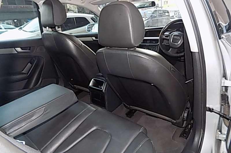 Audi A4 Sedan A4 2.0T FSI SPORT STRONIC (B9) 2011