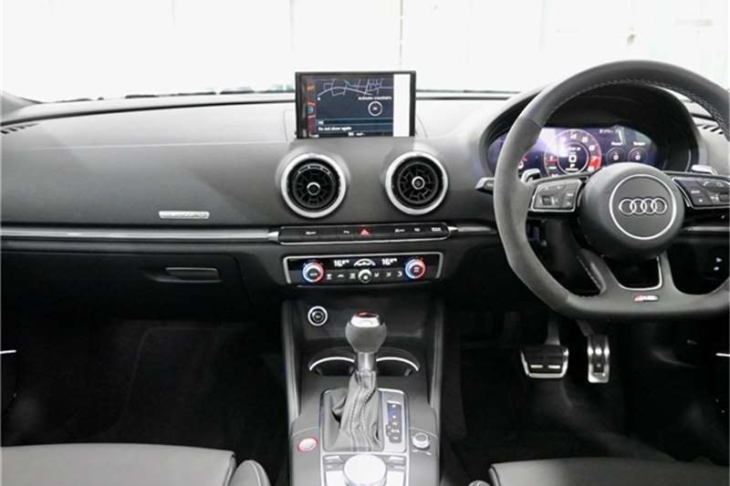 Audi RS3 Sportback STRONIC 2021