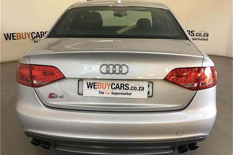 Audi S4 quattro 2010
