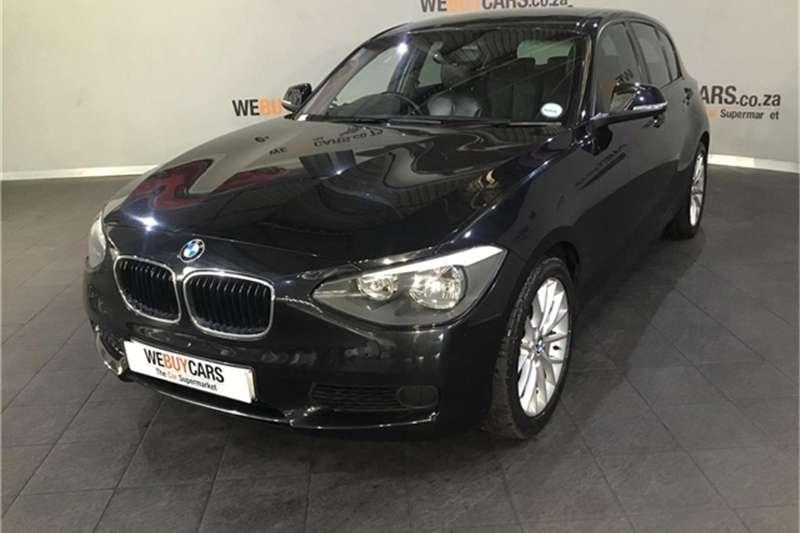 BMW 1 Series 116i 5-door 2011