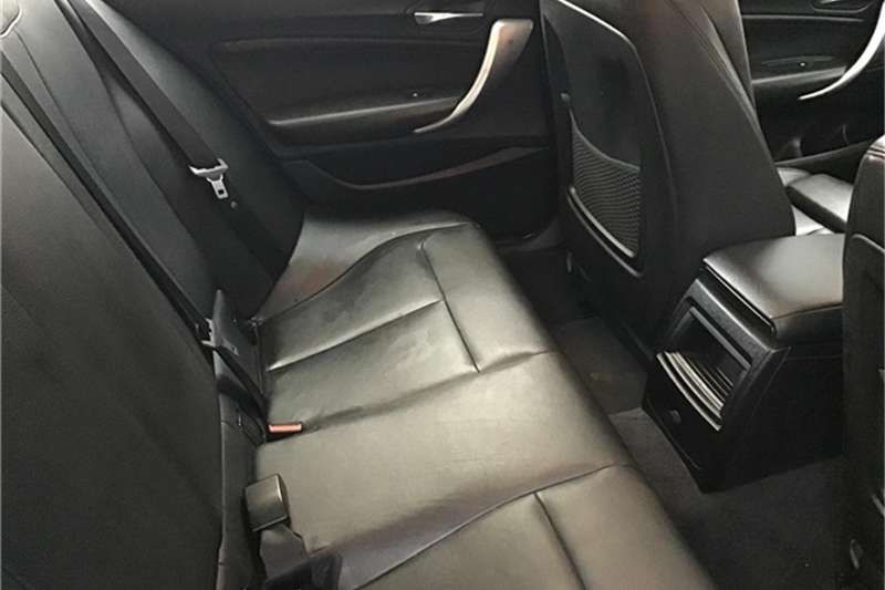 BMW 1 Series 116i 5-door 2013
