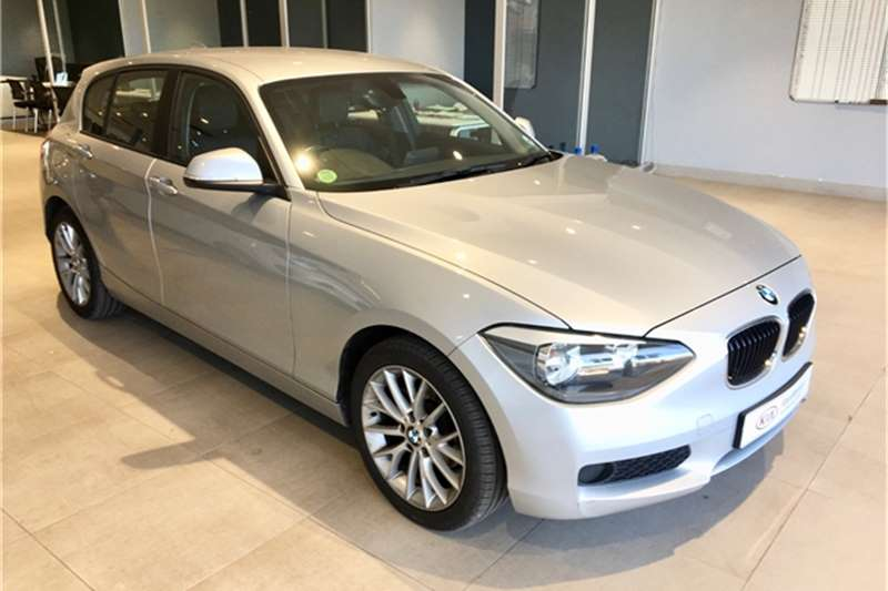BMW 1 Series 116i 5 door auto 2015