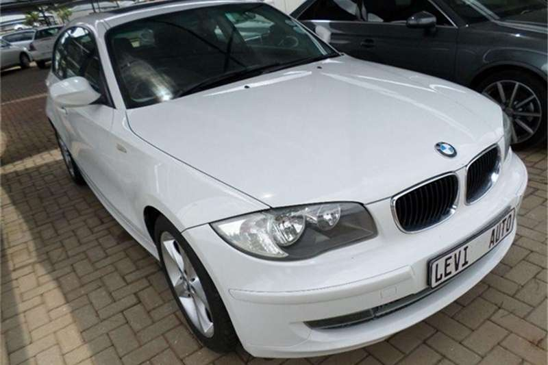 BMW 1 Series 118i 3 door 2010