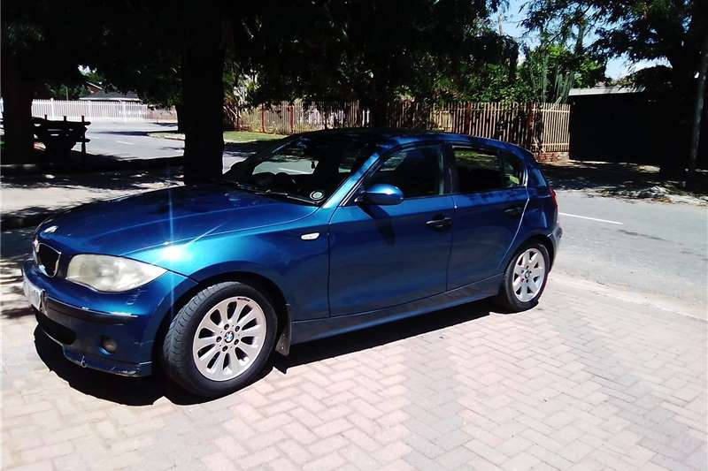 BMW 1 Series 118i 5 door 2005