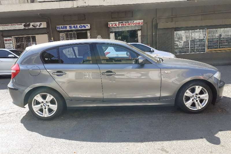 BMW 1 Series 118i 5 door 2009
